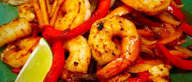 OMGs DFW Food - Chicken and Shrimp Tequila Lime Fajitas