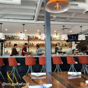omgs-dfw-food-whistle-britches-dining-room-bar