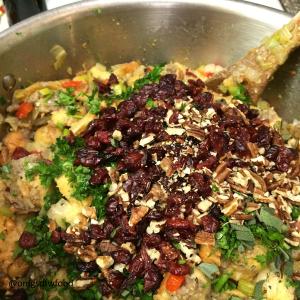 omgs-dfw-food-acorn-squash-stuffing-herbs